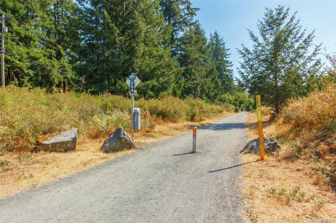 Photo 29: Photos: 104 3328 Radiant Way in : La Happy Valley Row/Townhouse for sale (Langford)  : MLS®# 824101