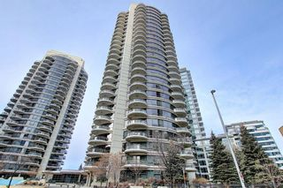 Photo 3: 1801 1078 6 Avenue SW in Calgary: Downtown West End Apartment for sale : MLS®# A1066413