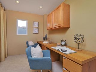 Photo 12: CLAIREMONT House for sale : 3 bedrooms : 3360 Mt. Laurence Drive in San Diego