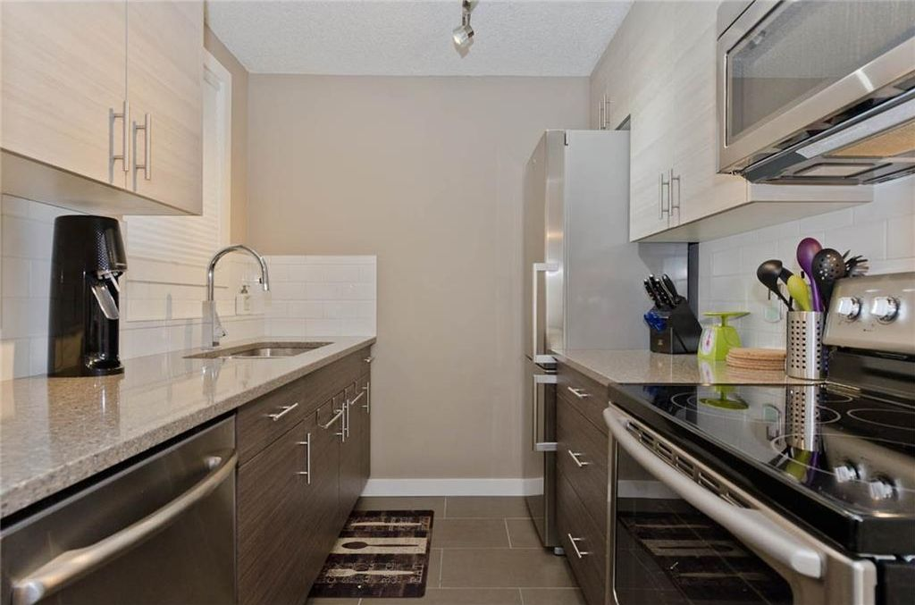 Photo 12: Photos: 105 120 24 Avenue SW in Calgary: Mission Condo for sale : MLS®# C4160912