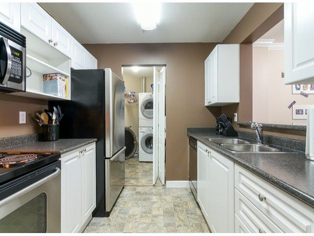 Photo 13: Photos: 414 5765 GLOVER Road in Langley: Langley City Condo for sale : MLS®# F1402300