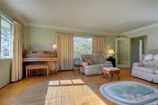 Photo 4: 877 Byng St in : OB South Oak Bay House for sale (Oak Bay)  : MLS®# 807657