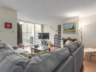 """Photo 3: 3913 PENDER Street in Burnaby: Willingdon Heights Townhouse for sale in """"INGLETON PLACE"""" (Burnaby North)  : MLS®# R2135922"""