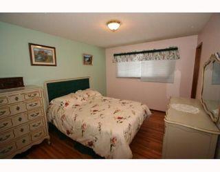 Photo 11: 7507 HUNTRIDGE Crescent NE in CALGARY: Huntington Hills Residential Detached Single Family for sale (Calgary)  : MLS®# C3398976
