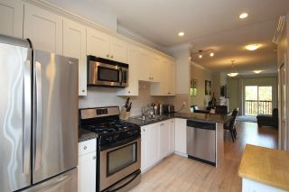 """Photo 5: 37 12251 NO. 2 Road in Richmond: Steveston South Townhouse for sale in """"NAVIGATOR'S COVE"""" : MLS®# R2318201"""