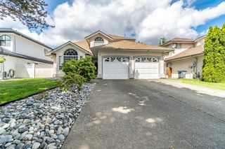Photo 1: 9031 156A Street in Surrey: Fleetwood Tynehead House for sale : MLS®# R2615984