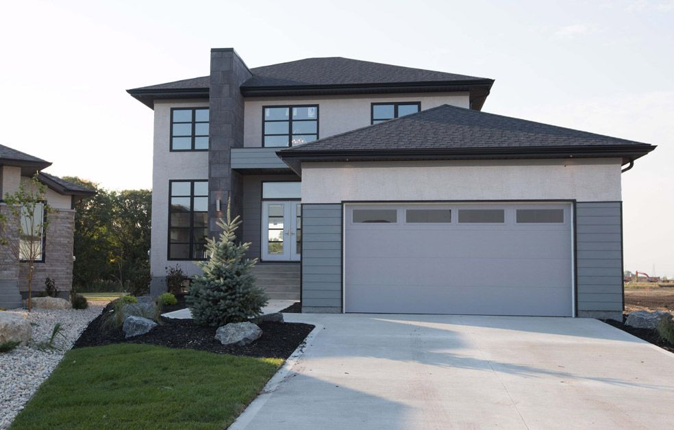 Main Photo: 35 Chaikoski Court in Winnipeg: Charleswood Single Family Detached for sale (1H)