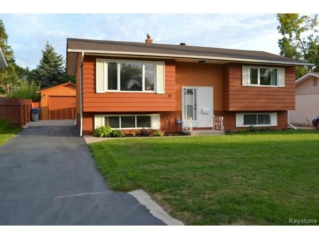 Main Photo: 10 Weeping Willow Drive in WINNIPEG: St Vital Residential for sale (South East Winnipeg)  : MLS®# 1321233