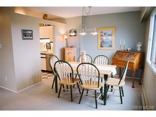 Photo 6: 407 1050 Park Blvd in VICTORIA: Vi Fairfield West Condo for sale (Victoria)  : MLS®# 722013