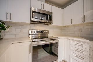 """Photo 3: 45 3368 MORREY Court in Burnaby: Sullivan Heights Townhouse for sale in """"STRATHMORE LANE"""" (Burnaby North)  : MLS®# R2457677"""