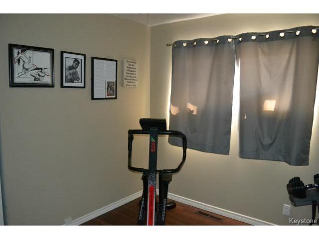Photo 8: Photos: 463 Olive Street in WINNIPEG: St James Residential for sale (West Winnipeg)  : MLS®# 1405838