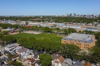Photo 4: 678 Spruce Street in Winnipeg: West End Residential for sale (5C)  : MLS®# 202113196