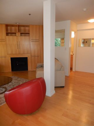 Photo 6: 1453 WALNUT Street in Vancouver: Kitsilano Townhouse for sale (Vancouver West)  : MLS®# R2197205