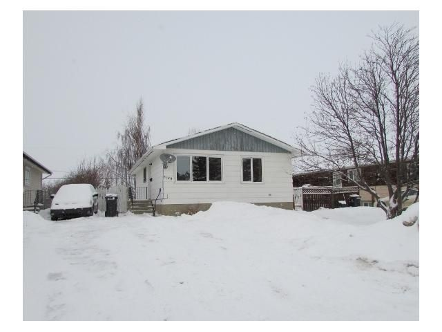 "Main Photo: 8120 98TH Avenue in Fort St. John: Fort St. John - City SE House for sale in ""NORTH AENNOFIELD"" (Fort St. John (Zone 60))  : MLS®# N241973"