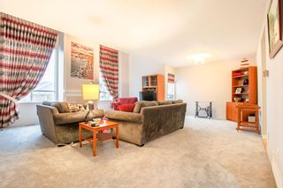 """Photo 2: 8229 VIVALDI Place in Vancouver: Champlain Heights Townhouse for sale in """"ASHLEIGH HEIGHTS"""" (Vancouver East)  : MLS®# R2331263"""