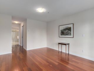 """Photo 14: 307 988 W 54TH Avenue in Vancouver: South Cambie Condo for sale in """"HAWTHORNE VILLA"""" (Vancouver West)  : MLS®# R2284275"""