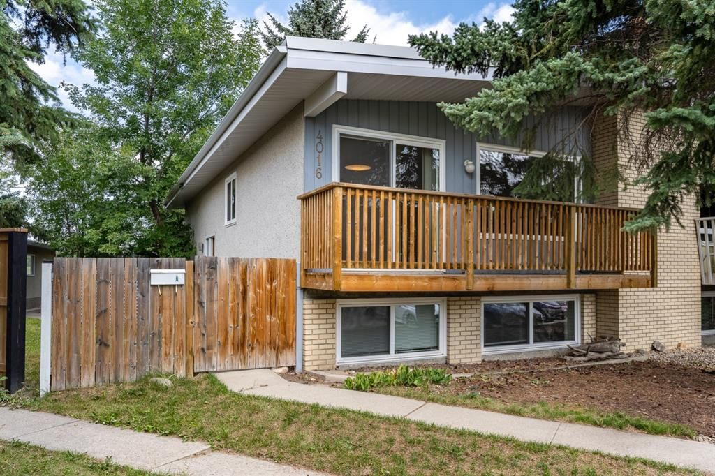 Main Photo: 4016 Vance Place NW in Calgary: Varsity Semi Detached for sale : MLS®# A1142052