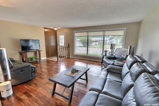 Photo 2: 2515 Steuart Avenue in Prince Albert: Crescent Heights Residential for sale : MLS®# SK864020