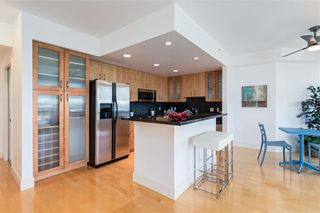 Photo 3: 2504 1078 6 Avenue SW in Calgary: Downtown West End Apartment for sale : MLS®# C4264239