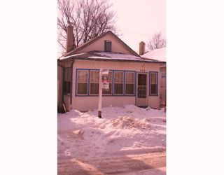 Photo 1: 542 LARSEN Avenue in WINNIPEG: East Kildonan Residential for sale (North East Winnipeg)  : MLS®# 2902577