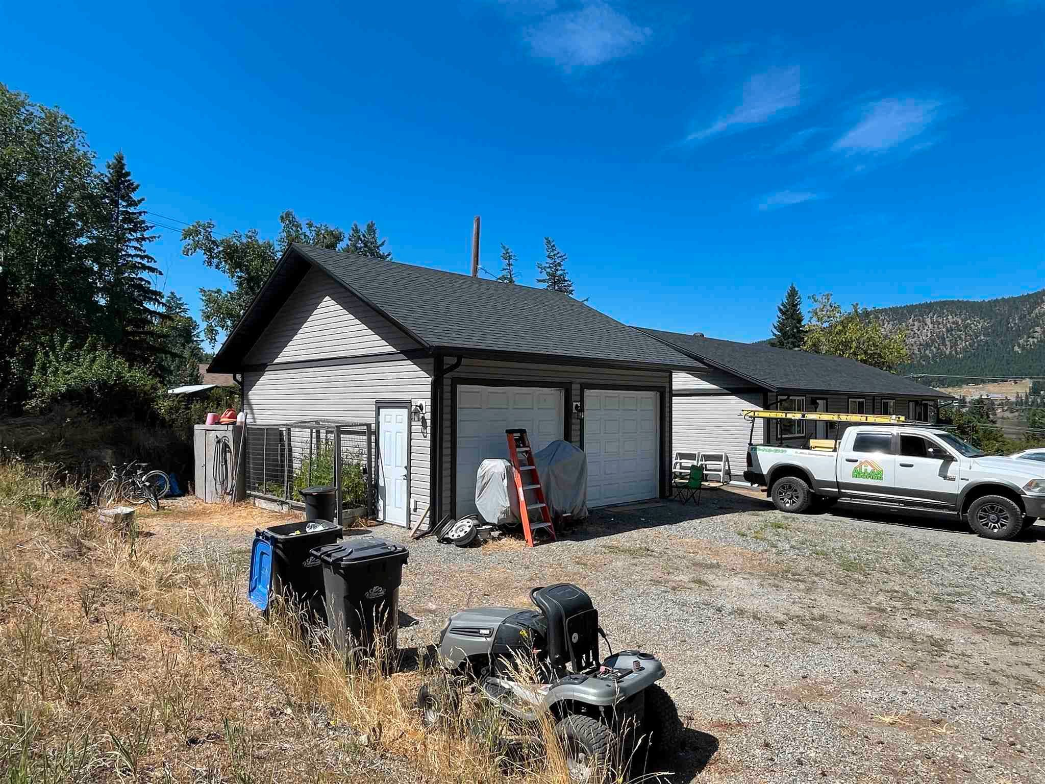 Main Photo: 1611 SOUTH LAKESIDE Drive in Williams Lake: Williams Lake - City Duplex for sale (Williams Lake (Zone 27))  : MLS®# R2607788
