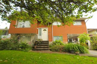 """Photo 1: 843 ALDER Place in Port Coquitlam: Lincoln Park PQ House for sale in """"LINCOLN PARK"""" : MLS®# R2590902"""