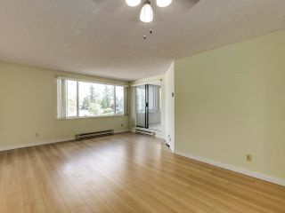 """Photo 3: 205 15272 19 Avenue in Surrey: King George Corridor Condo for sale in """"PARKVIEW PLACE"""" (South Surrey White Rock)  : MLS®# R2620365"""