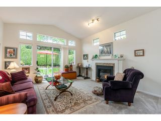"""Photo 14: 98 9012 WALNUT GROVE Drive in Langley: Walnut Grove Townhouse for sale in """"Queen Anne Green"""" : MLS®# R2456444"""
