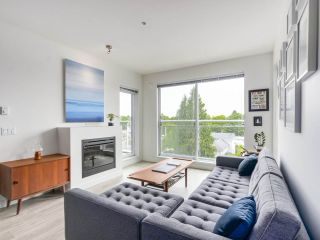 """Photo 9: 403 3333 MAIN Street in Vancouver: Main Condo for sale in """"3333 MAIN"""" (Vancouver East)  : MLS®# R2191207"""