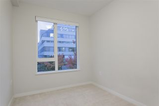 "Photo 15: 122 255 W 1ST Street in North Vancouver: Lower Lonsdale Condo for sale in ""West Quay"" : MLS®# R2515636"
