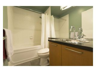 """Photo 16: 105 205 E 10TH Avenue in Vancouver: Mount Pleasant VE Condo for sale in """"The Hub"""" (Vancouver East)  : MLS®# V1082695"""