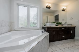 Photo 20: 2468 WHATCOM Road in Abbotsford: Abbotsford East House for sale : MLS®# R2462919