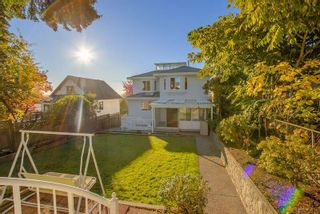 Photo 3: 372 DELTA Avenue in Burnaby: Capitol Hill BN House for sale (Burnaby North)  : MLS®# R2239476