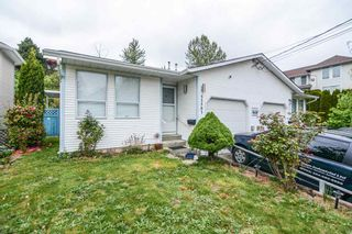 Photo 1: 33593 2ND Avenue in Mission: Mission BC 1/2 Duplex for sale : MLS®# R2056501
