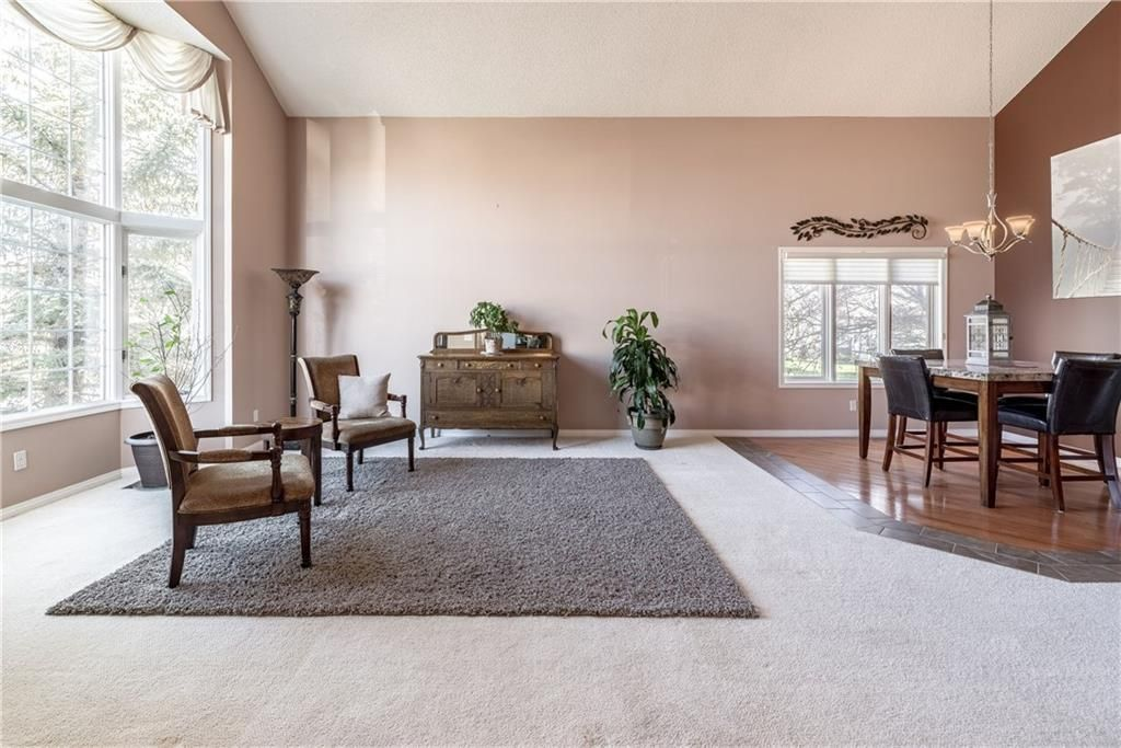 Photo 4: Photos: 248 WOOD VALLEY Bay SW in Calgary: Woodbine Detached for sale : MLS®# C4211183
