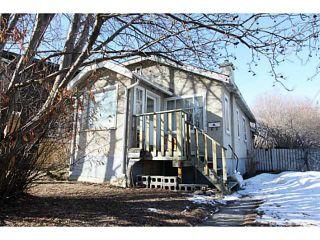 Photo 1: 140 27 Avenue NE in CALGARY: Tuxedo Residential Detached Single Family for sale (Calgary)  : MLS®# C3603482