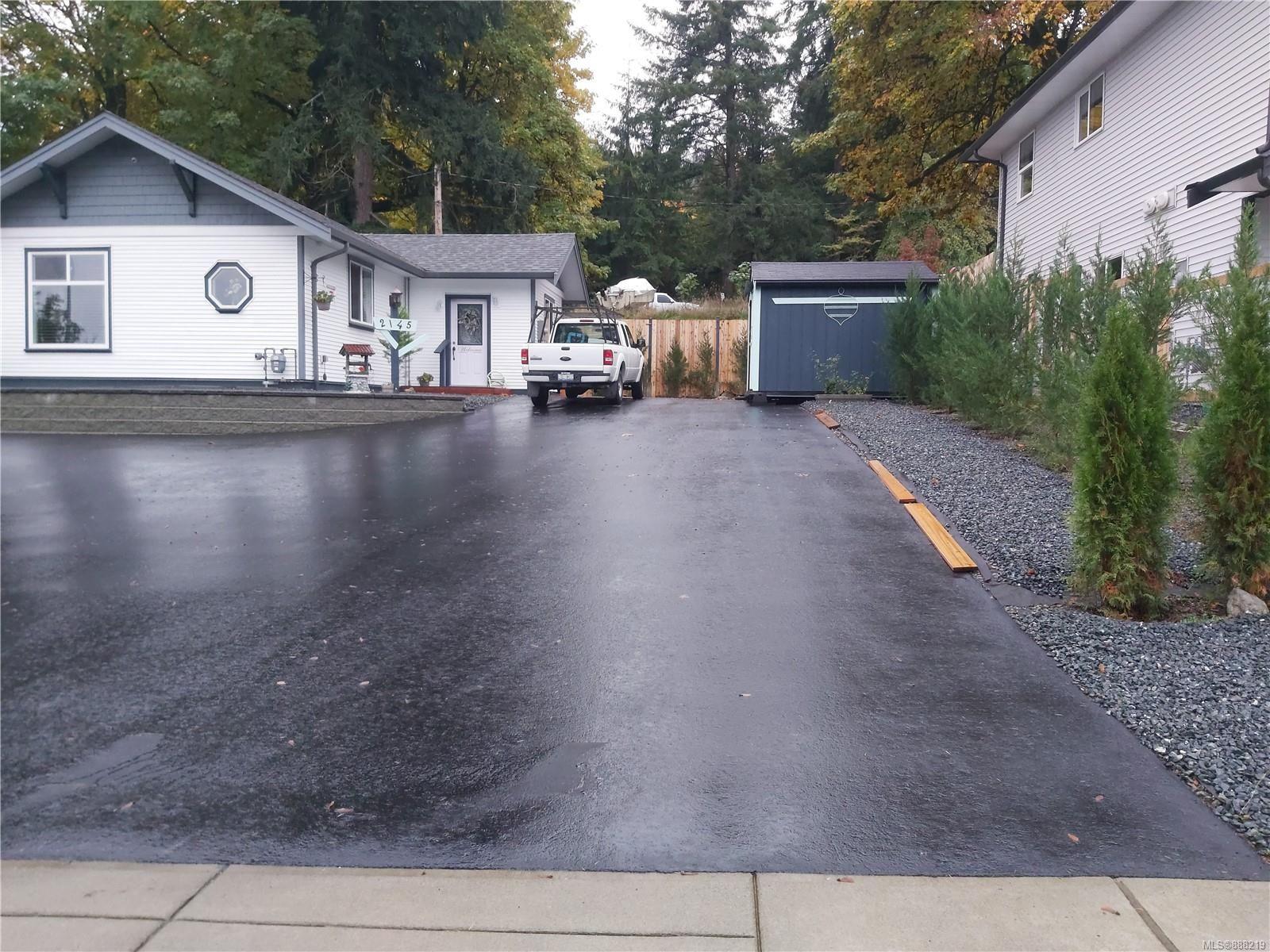 Main Photo: 2145 Salmon Rd in : Na South Jingle Pot House for sale (Nanaimo)  : MLS®# 888219