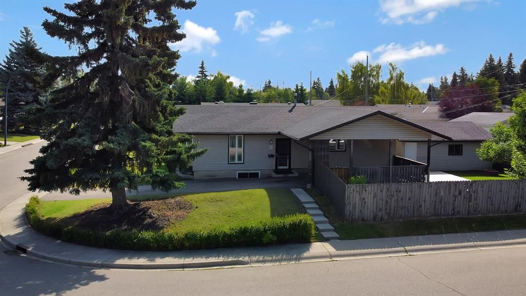 Main Photo: 618 WILLOWBURN Crescent SE in Calgary: Willow Park Detached for sale : MLS®# A1023739