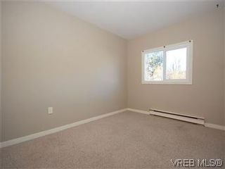 Photo 12: 669 Pine St in VICTORIA: VW Victoria West House for sale (Victoria West)  : MLS®# 560025