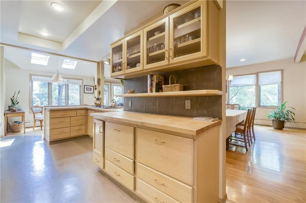 Photo 13: Photos: 906 North Drive in Winnipeg: East Fort Garry Residential for sale (1J)  : MLS®# 202116251