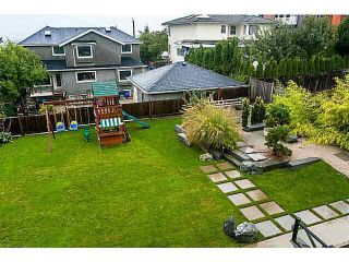 """Photo 3: 365 GLYNDE Avenue in Burnaby: Capitol Hill BN House for sale in """"CAPITAL HILL"""" (Burnaby North)  : MLS®# R2029979"""