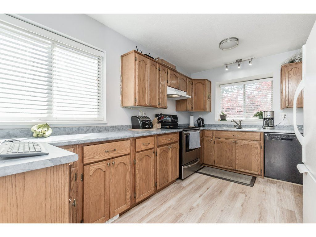 Photo 8: Photos: 33117 HILL Avenue in Mission: Mission BC House for sale : MLS®# R2271316