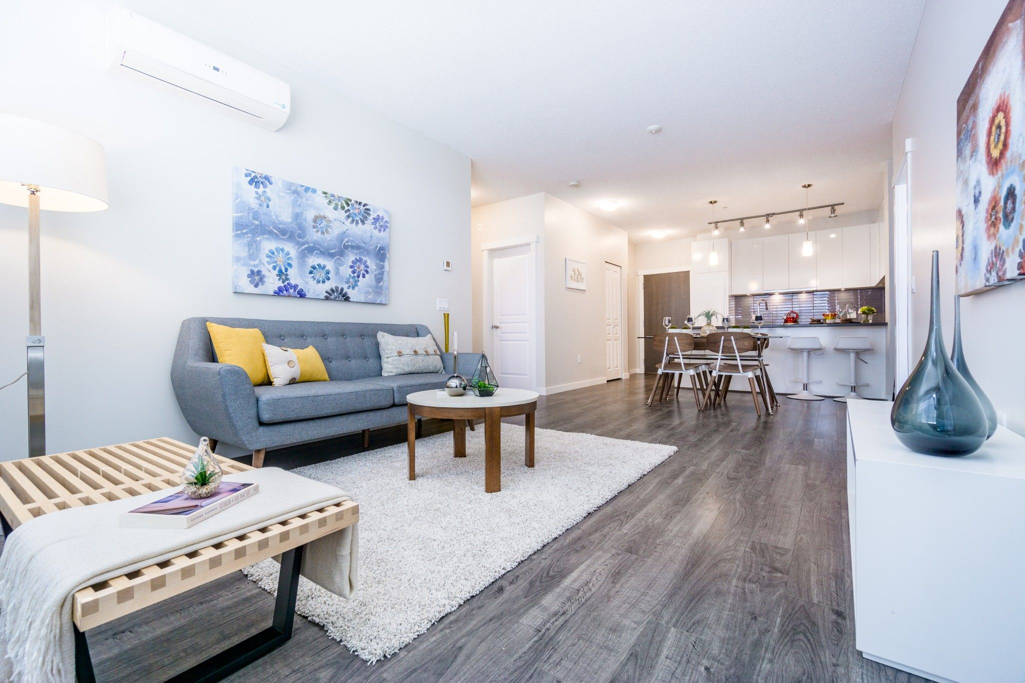 """Main Photo: 402 9311 ALEXANDRA Road in Richmond: West Cambie Condo for sale in """"ALEXANDRA COURT"""" : MLS®# R2266613"""