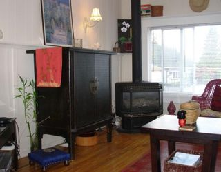 "Photo 3: 47 3295 SUNNYSIDE Road: Anmore Manufactured Home for sale in ""COUNTRYSIDE VILLAGE"" (Port Moody)  : MLS®# V781330"