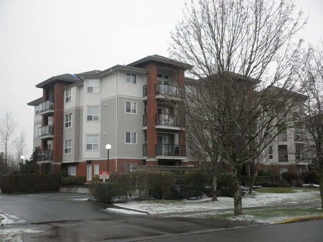 Main Photo: 108 20239 MICHAUD Crest in Langley: Langley City Condo for sale : MLS®# f1301099