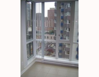 """Photo 6: 1202 1082 SEYMOUR Street in Vancouver: Downtown VW Condo for sale in """"FREESIA"""" (Vancouver West)  : MLS®# V797473"""