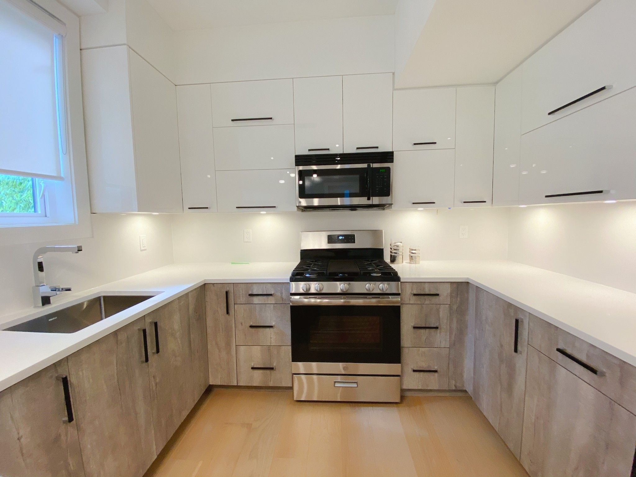 Main Photo:  in : Grandview Woodland Condo for sale (Vancouver East)