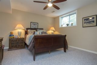 """Photo 12: 33 4001 OLD CLAYBURN Road in Abbotsford: Abbotsford East Townhouse for sale in """"Cedar Springs"""" : MLS®# R2166092"""