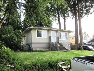 """Photo 1: 11790 97TH Avenue in Surrey: Royal Heights House for sale in """"ROYAL HEIGHTS"""" (North Surrey)  : MLS®# F1414651"""
