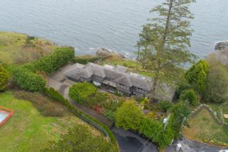 Photo 4: 4325 Gordon Head Rd in : SE Arbutus House for sale (Saanich East)  : MLS®# 860071
